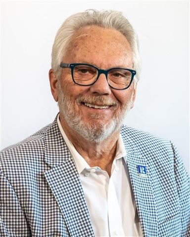 Consultant Mark Niedert