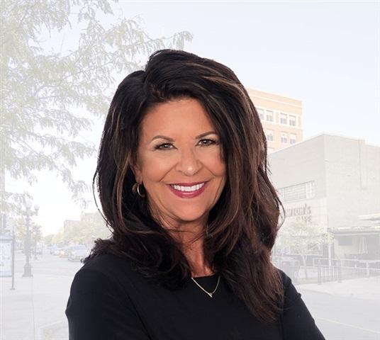 Consultant Linda Curran