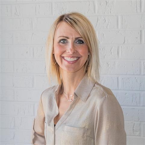 Consultant Rebecca M Smith