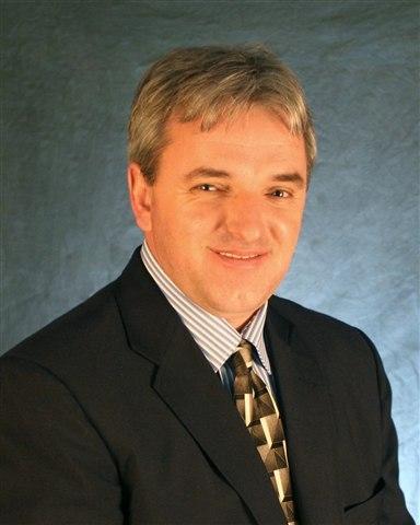Consultant Adam Rizvic
