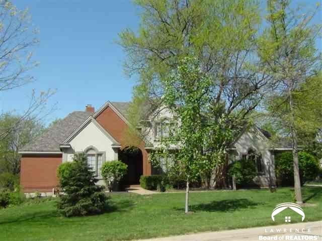 2007 Hogan Dr, Lawrence, KS 66047