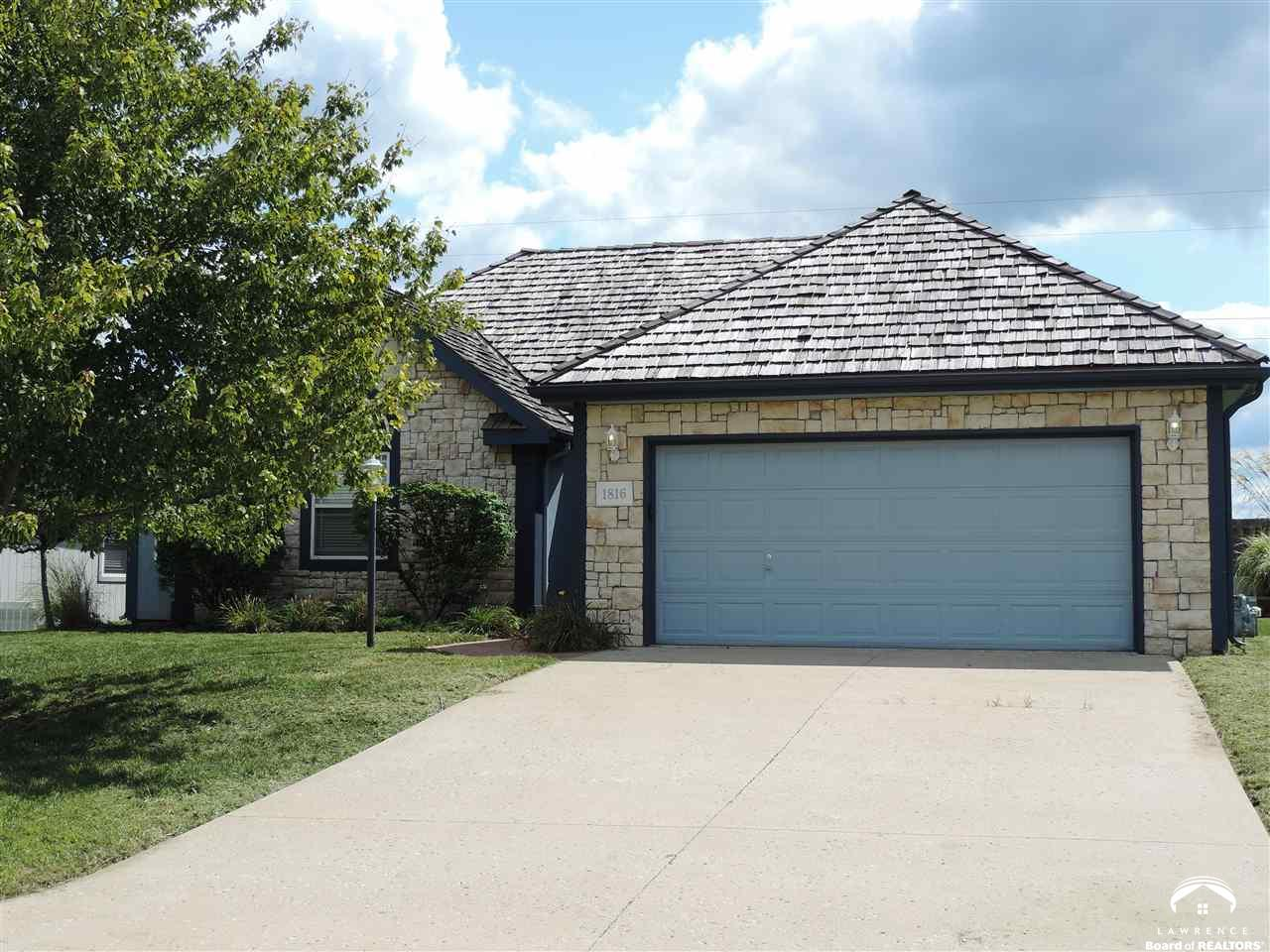 1816 Sweetwater Ct, Lawrence, KS 66047