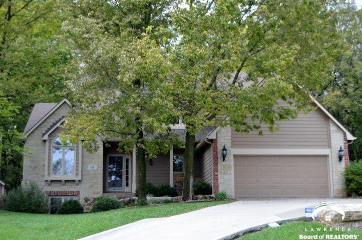 1117 Oak Tree Drive, Lawrence, KS 66049
