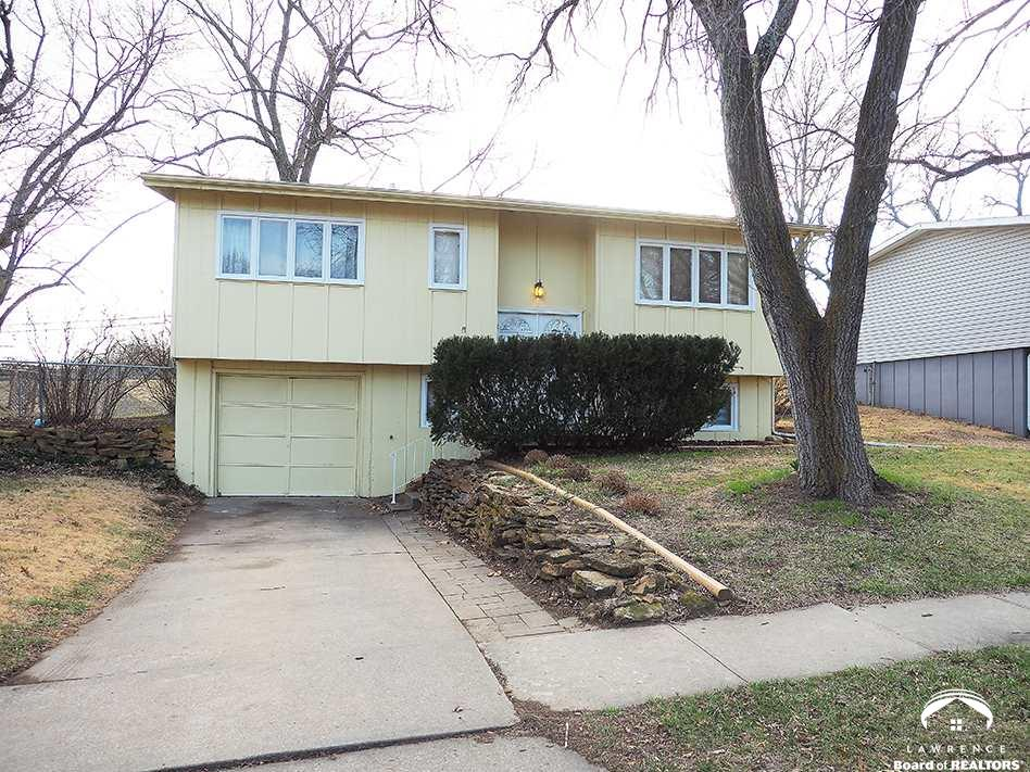 3207 SW Twilight Drive, Topeka, KS 66614