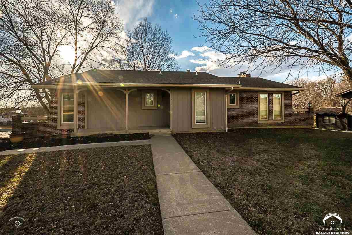 1917 Kasold Drive, Lawrence, KS 66047