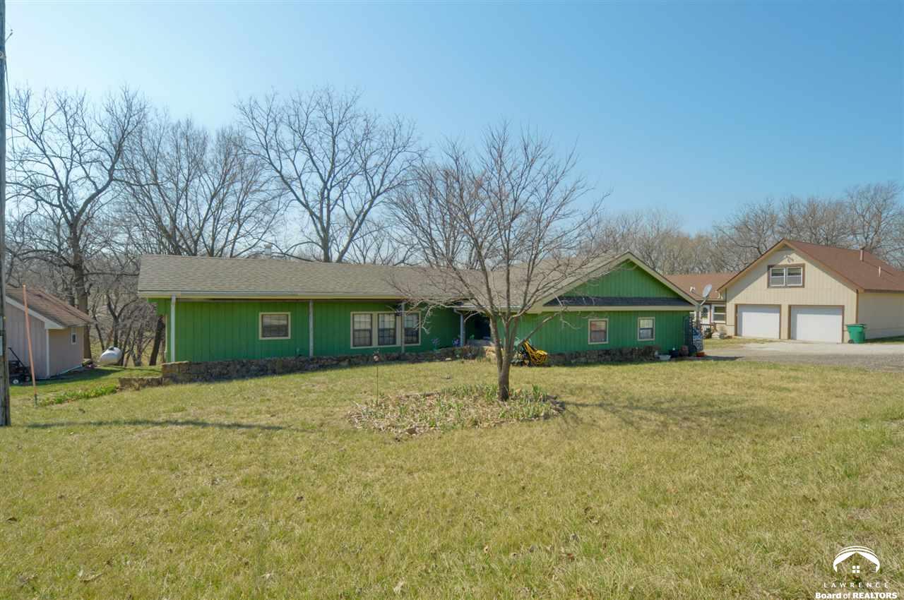 5364 Choctaw Lane, Mclouth, KS 66054