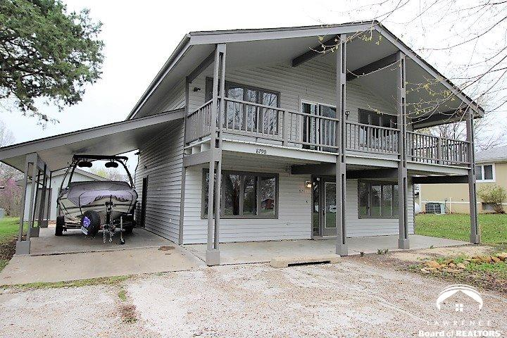 8790 Hilltop Rd, Ozawkie, KS 66070