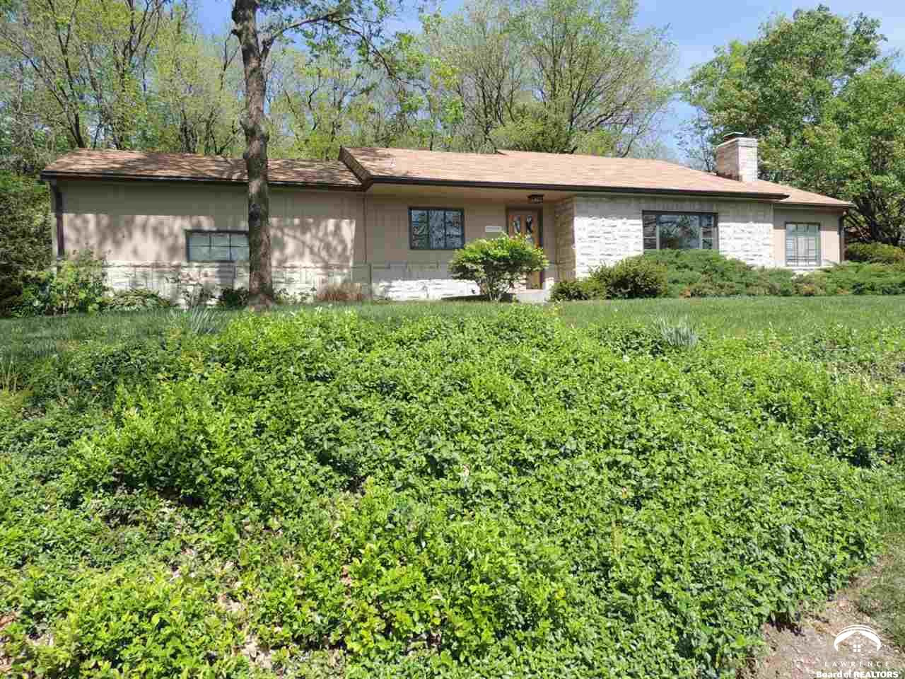515 Rockledge Road, Lawrence, KS 66049