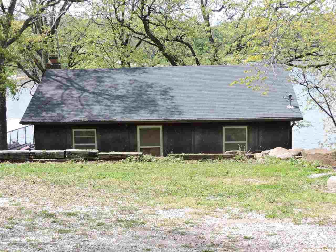 5037 Saratoga, McLouth, KS 66054