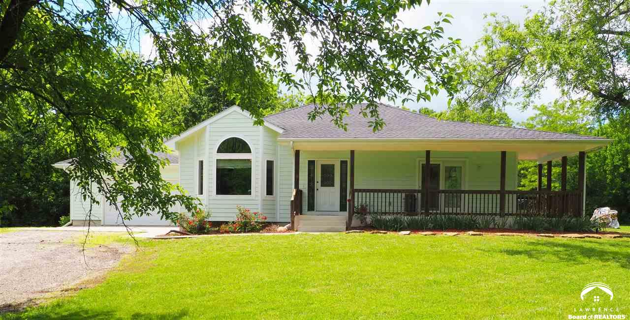 2015 SE Carnahan Ave, Topeka, KS 66607