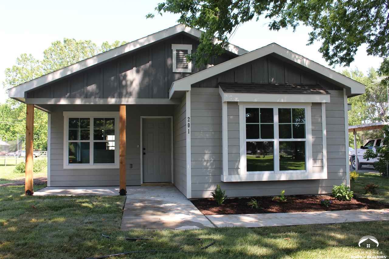 201 Oak Street, Perry, KS 66073