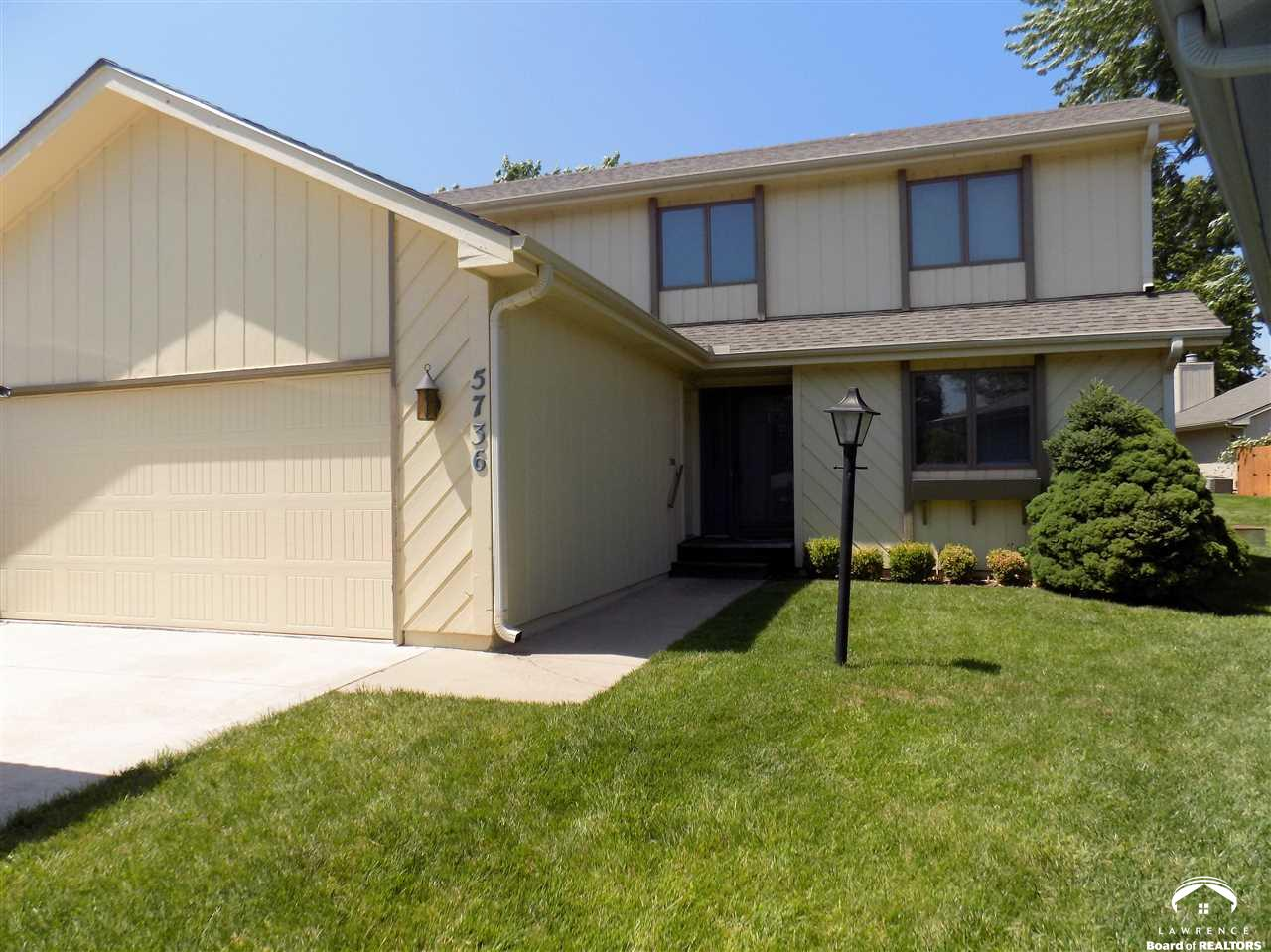 5736 SW Quail Cove Circle, Topeka, KS 66614