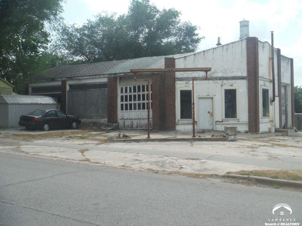 203 Jefferson St, Oskaloosa, KS 66066