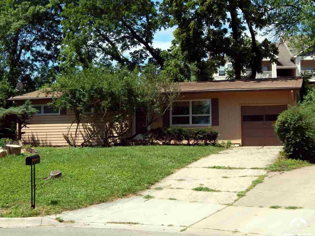 1749 W 20th Terrace, Lawrence, KS 66046