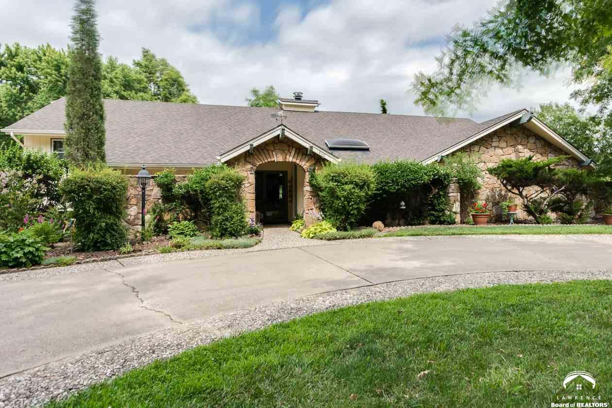 310 Homestead, Lawrence, KS 66049
