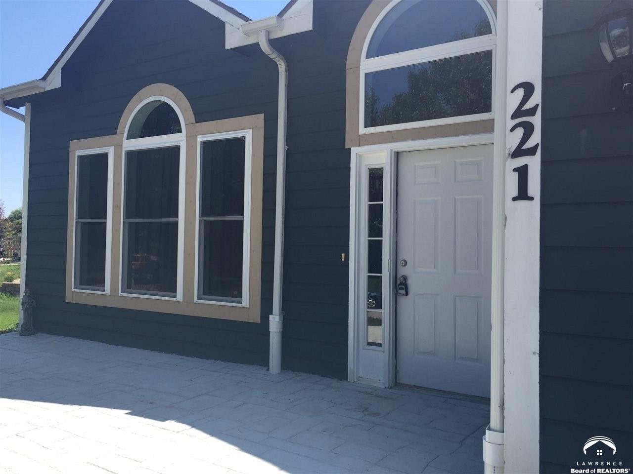 221 Santa Fe, Baldwin City, KS 66006