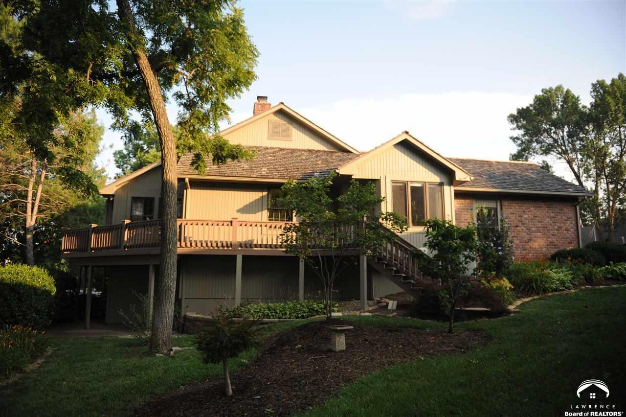 4301 Quail Pointe Terrace, Lawrence, KS 66047