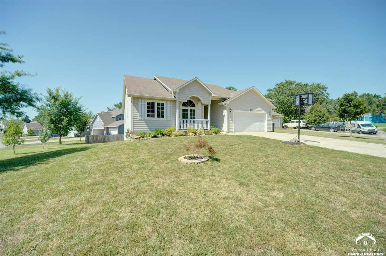 1533 E 28 Terr, Lawrence, KS 66046