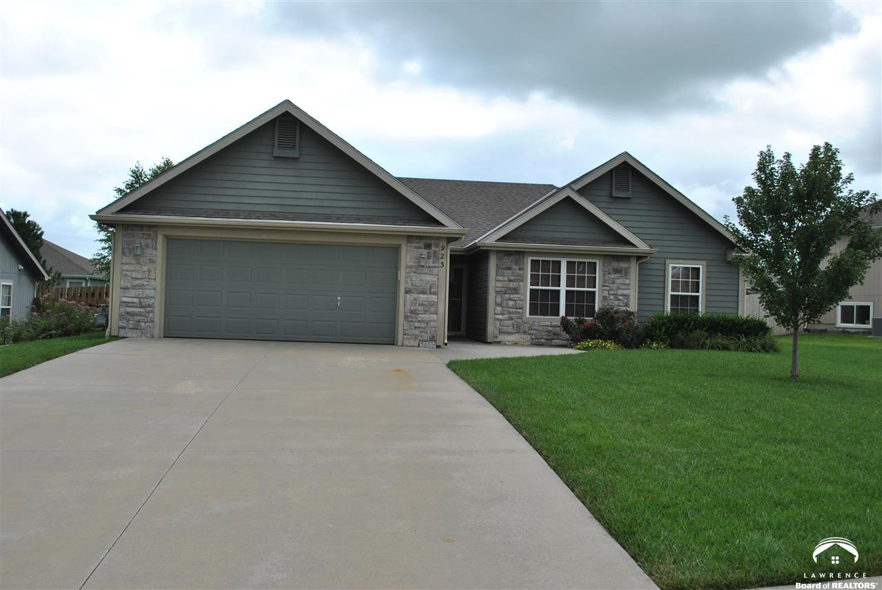 923 Bluestem, Baldwin, KS 66006