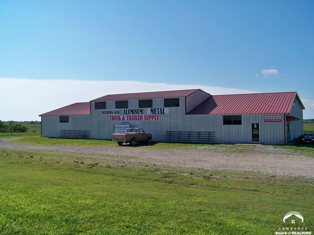 14501 S US 59 Hwy, Oskaloosa, KS 66066