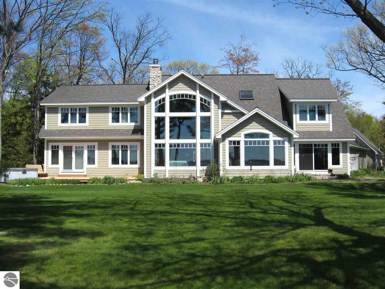Property for sale at 2916 Neahtawanta Road, Traverse City,  MI 49686