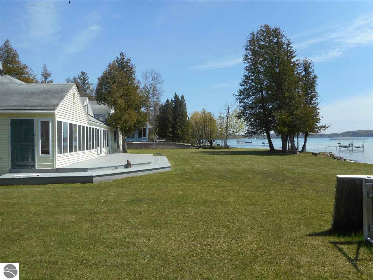 Michigan benzie county benzonia -  Beulah Michigan 49617 Real Estate And Homes Mary Dewitt