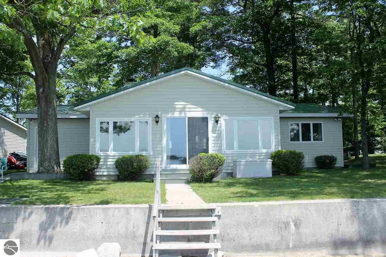 homes for sale in interlochen mi