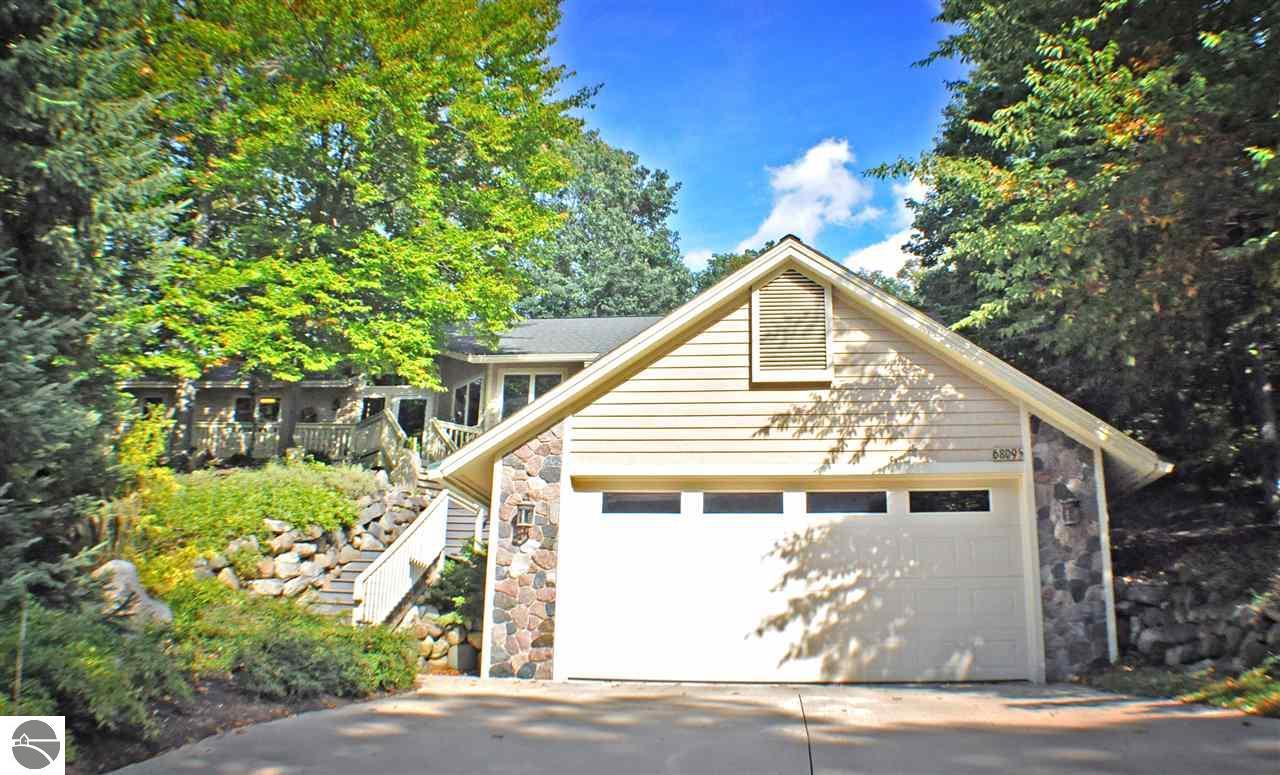 Property for sale at 6809 E Lake Bluffs Drive, Traverse City,  MI 49684