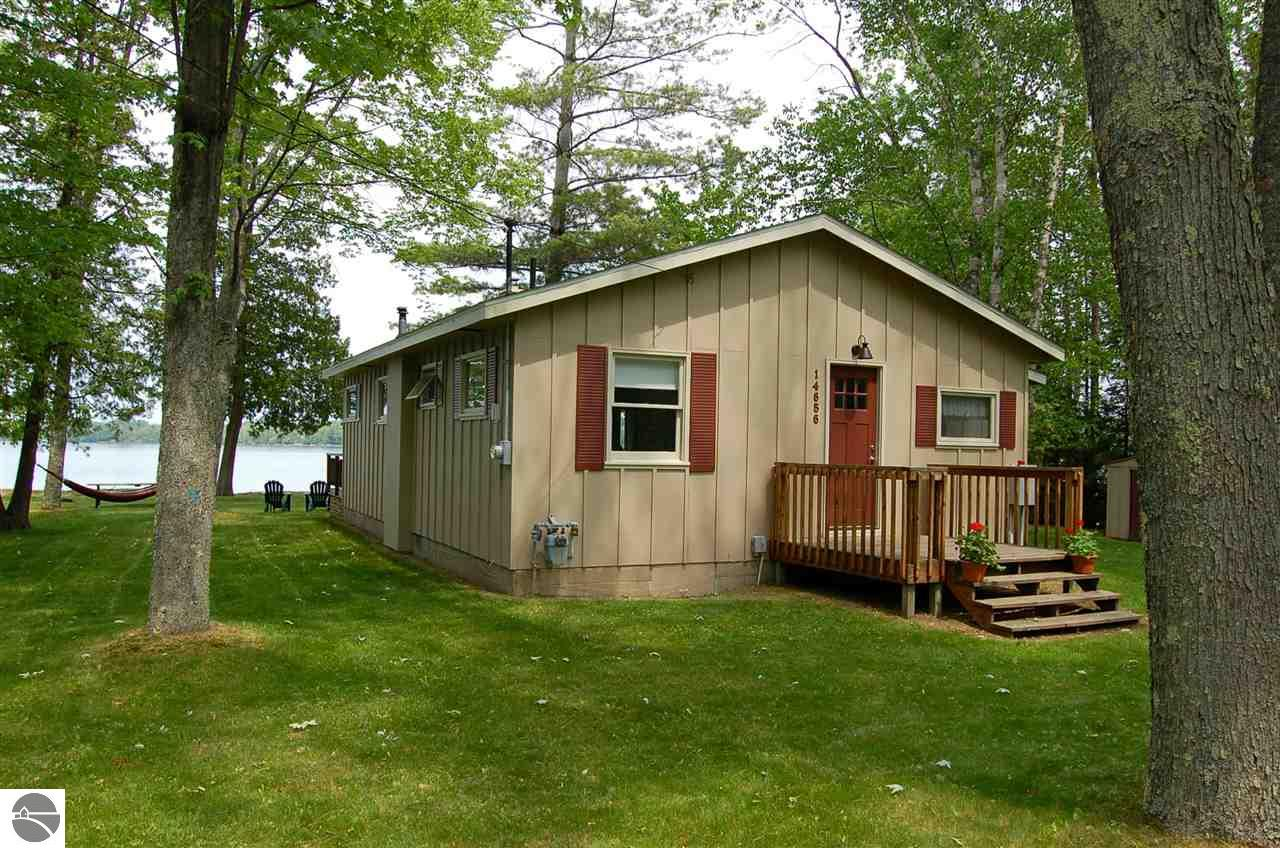 image from the conservation traverse yards s bed waterfront city cabin luxury lake home deal in property windjammer spider cabins ha area resort beach