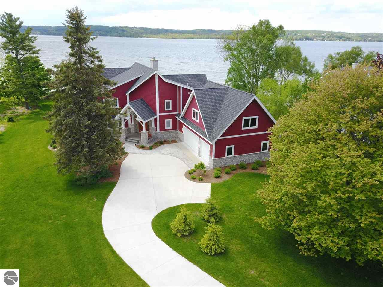 Property for sale at 8040 S Lakeview Road, Traverse City,  MI 49684