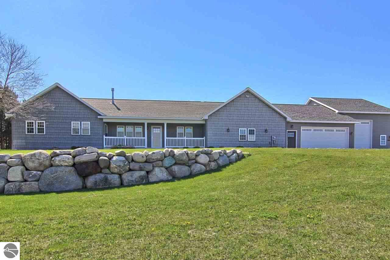 Property for sale at 2521 N Evergreen Valley Drive, Suttons Bay,  MI 49682