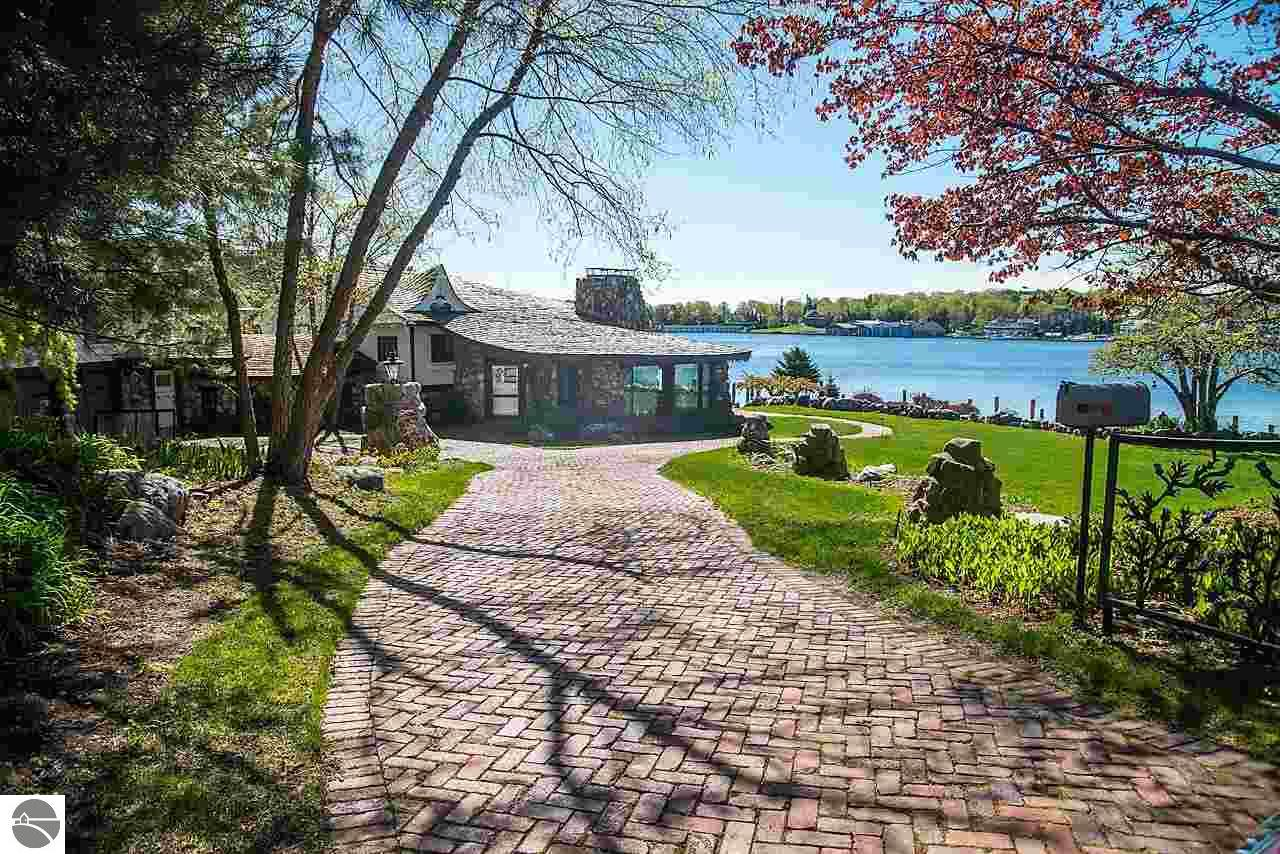Property for sale at 1 Thistledowns, Charlevoix,  MI 49720