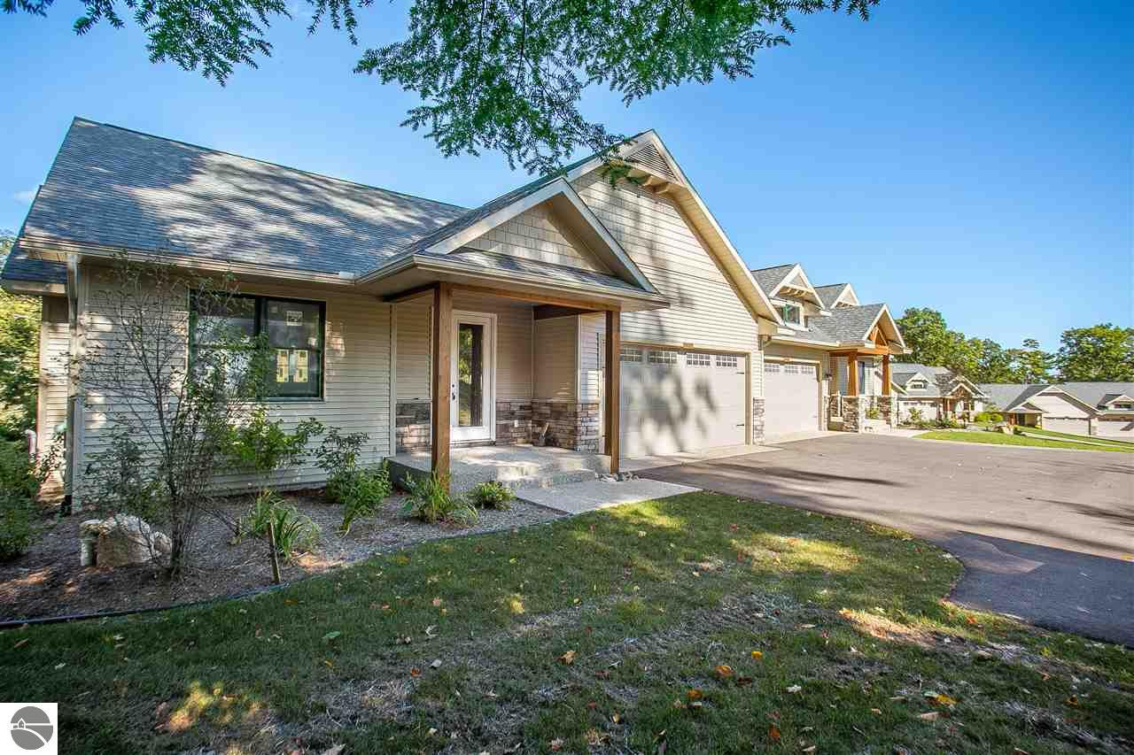Property for sale at 10002 E Sapphire Circle Unit: 27, Traverse City,  MI 49684