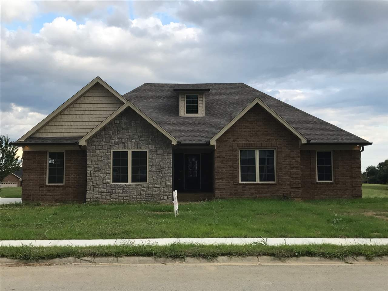 113 Lorenza Circle, Bardstown, KY 40004