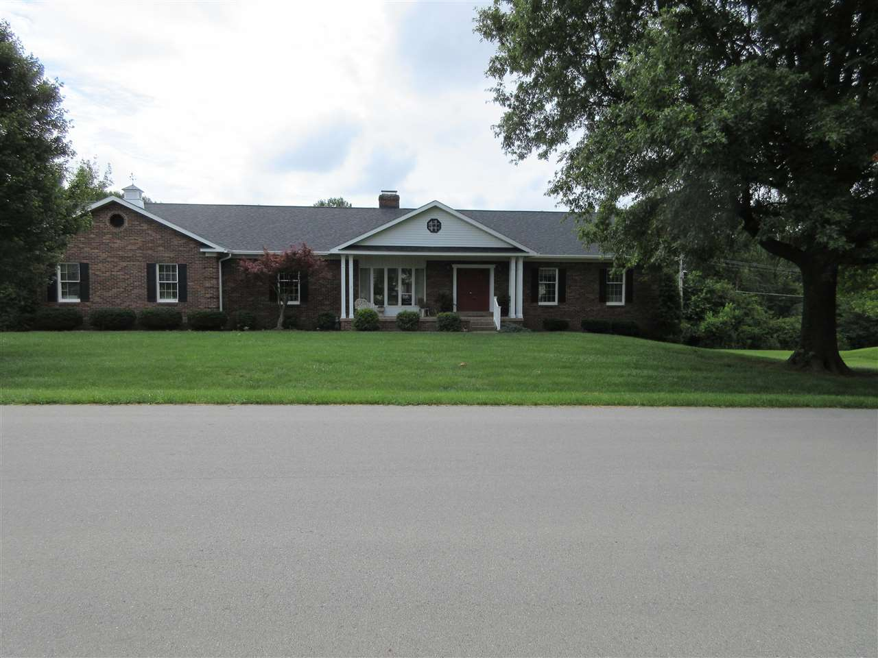 121 Windsor Ave., Bardstown, KY 40004