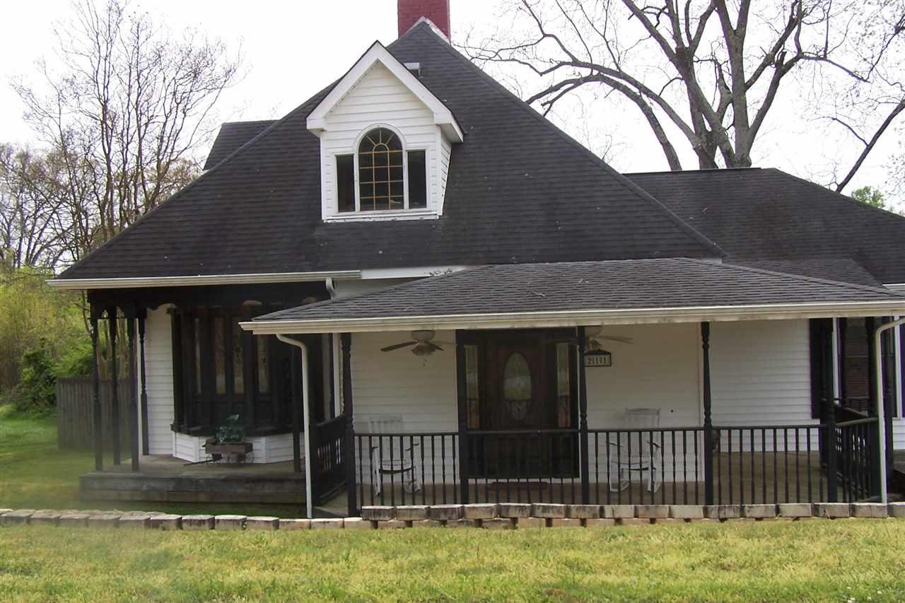 211 W Church St, Mooresboro, NC 28114