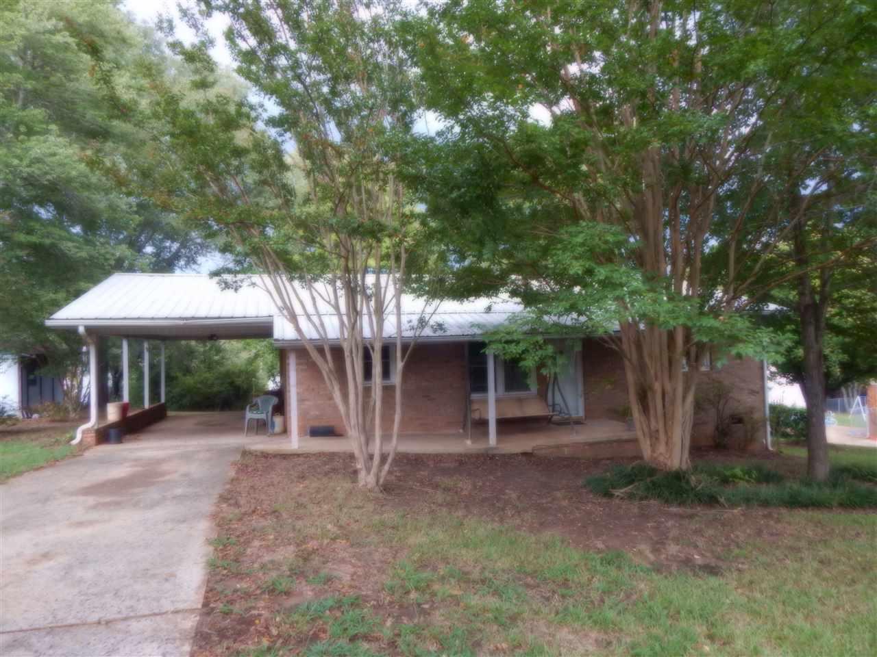 121 W Allen Drive, Mooresboro, NC 28114