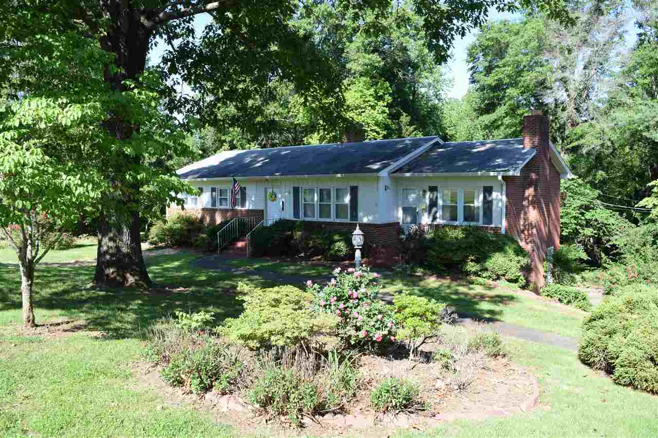 285 Elizabeth Avenue, Forest City, NC 28043