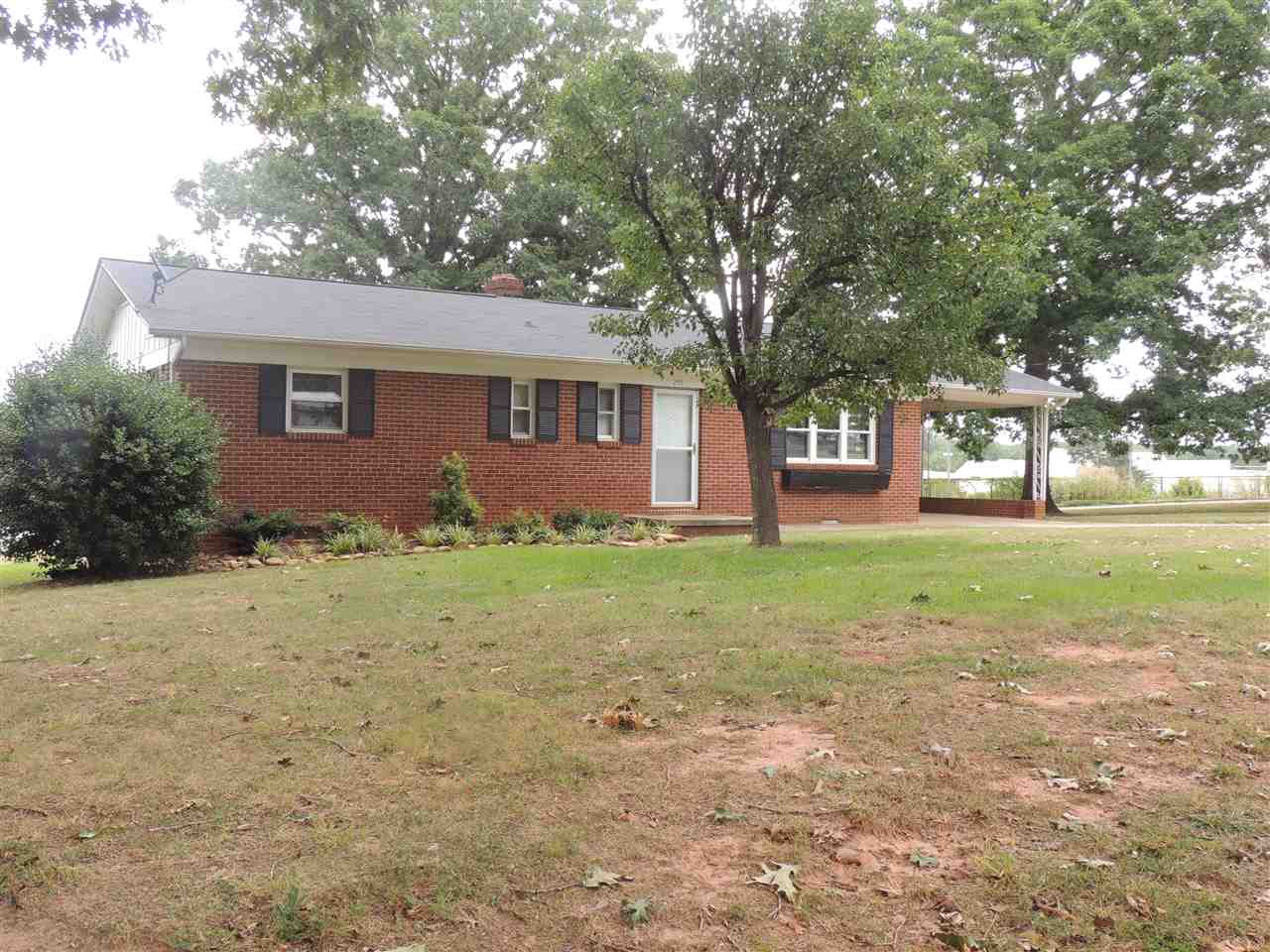 255 Allendale Dr., Forest City, NC 28043