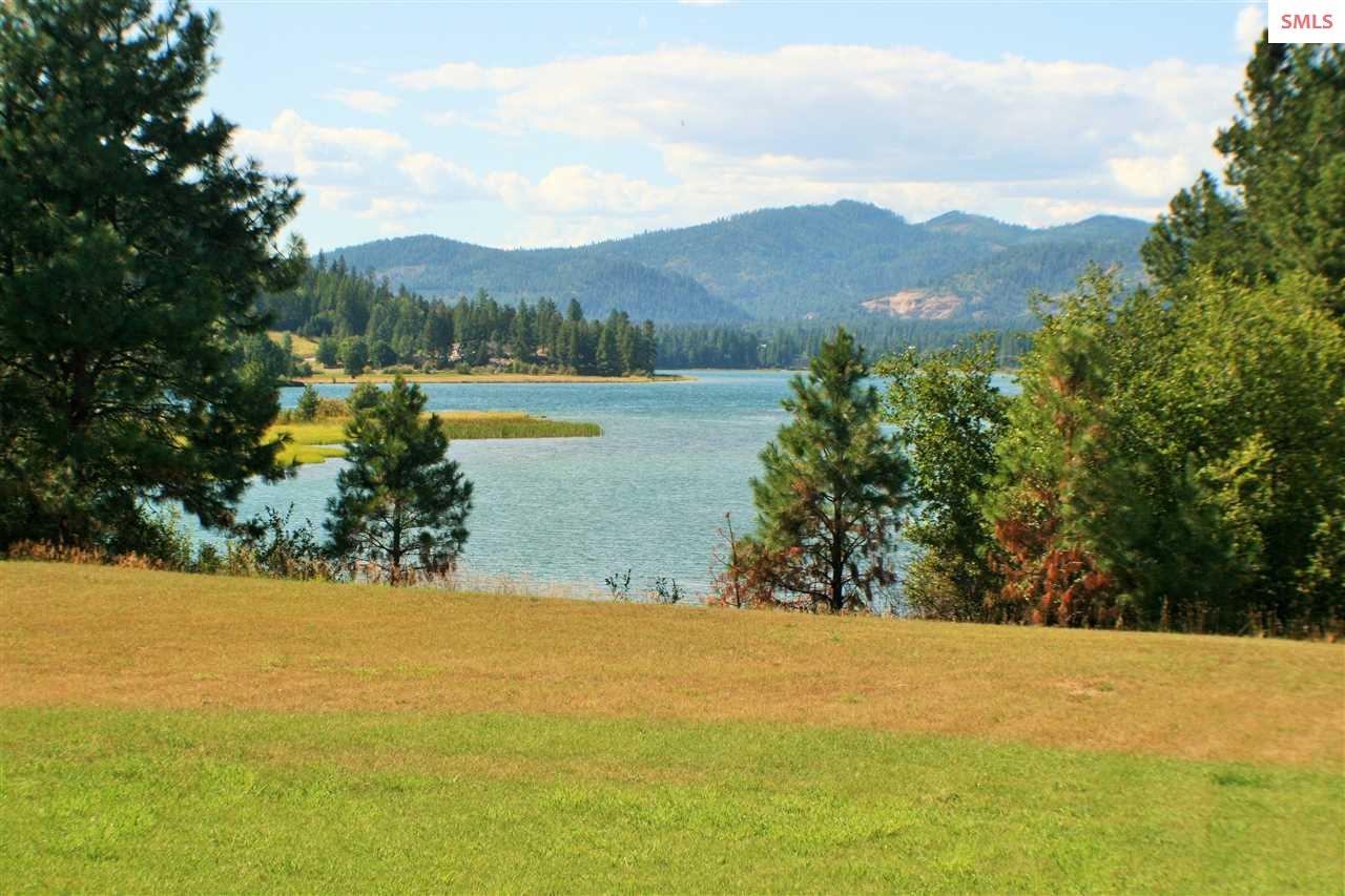 267 Thama Dr, Priest River, ID 84856