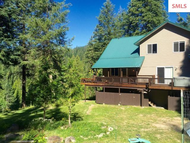 17496 N Right Fork Rd, Hauser, ID 83858