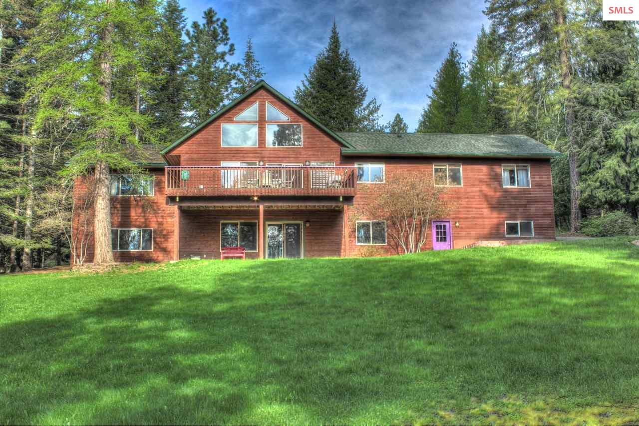 141 Crooked Ln, Sandpoint, ID 83864