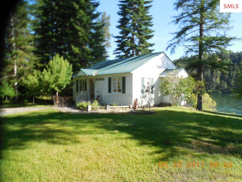 Single Family Home for Sale at 403841 Hwy 20 403841 Hwy 20 Cusick, Washington 99119 United States