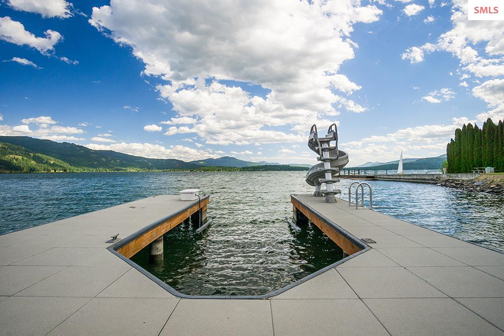Additional photo for property listing at 214 W Pacific Street 214 W Pacific Street Sandpoint, Idaho 83864 United States