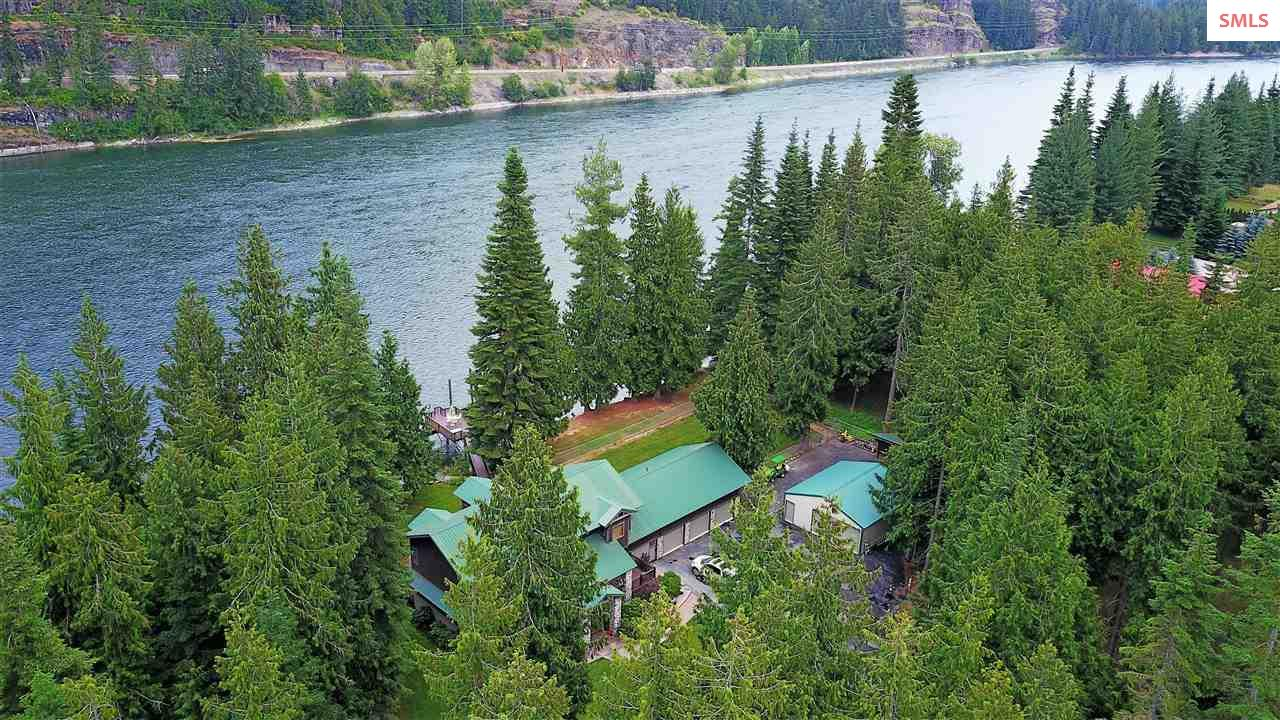 Single Family Home for Sale at 465 & 469 River Lake Drive 465 & 469 River Lake Drive Clark Fork, Idaho 83811 United States