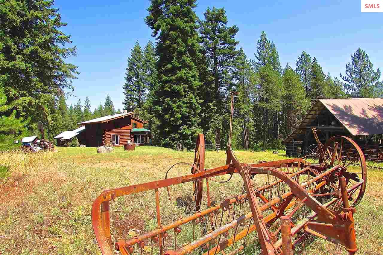 6876 Eastriver Rd, Priest River, ID 83856