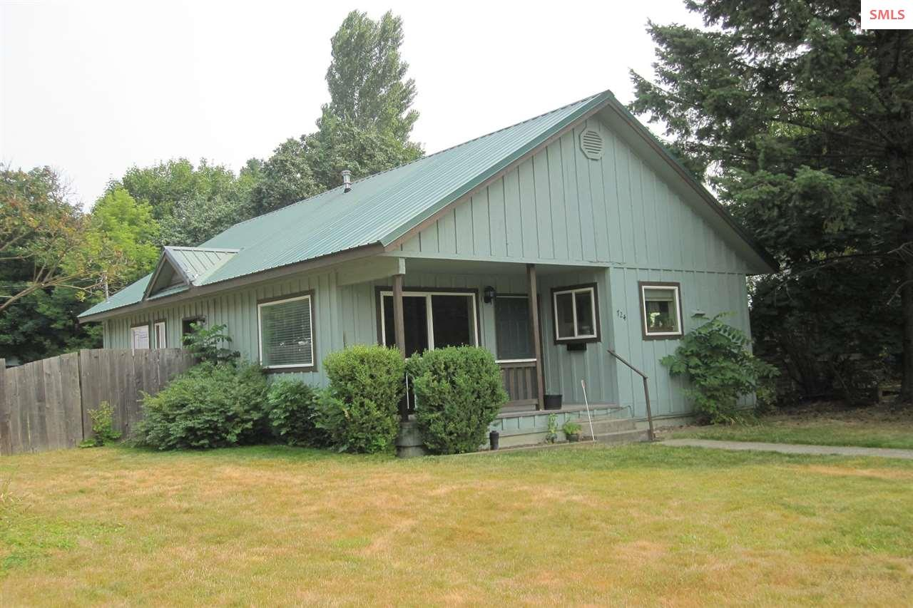 724 Forest Avenue, Sandpoint, ID 83864