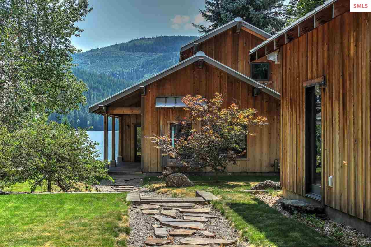 9992 W Twin Lakes Rd, Rathdrum, ID 83858