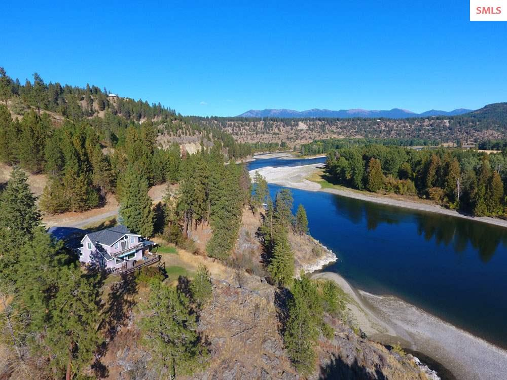 Single Family Home for Sale at 4146 District Two Road 4146 District Two Road Bonners Ferry, Idaho 83805 United States