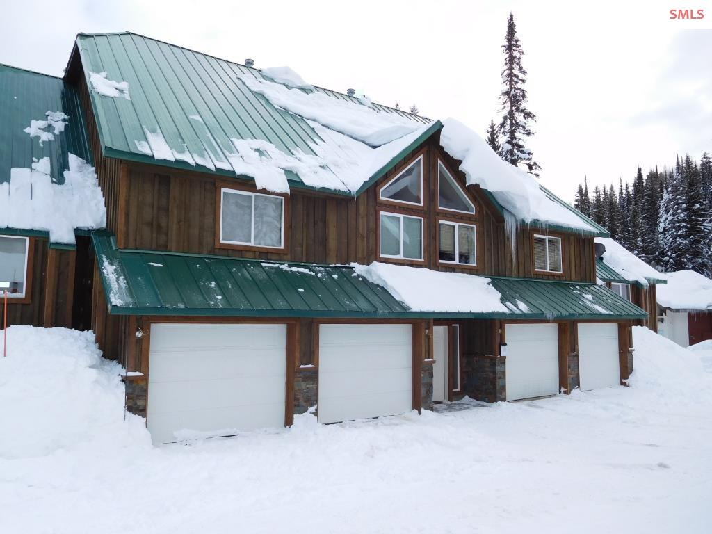 Best buy on the mountain! 3 BR/2 BA, fully furnished, ski-in/ski-out condo above the lodge. Only 4 condos in the association! Common hot tub and rec room and garage. New siding and stone work on the exterior and new windows throughout! Built by George Paras out of Spokane.